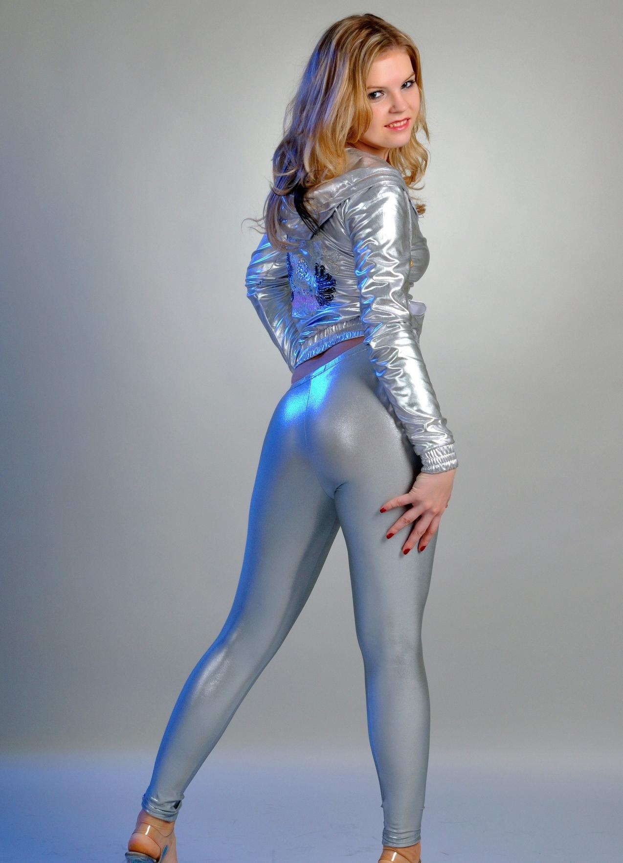Shiny pants videos